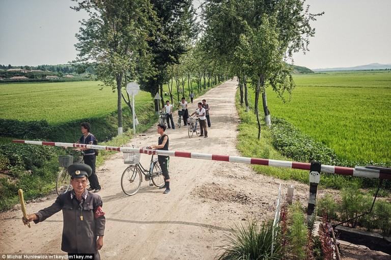 Droga na północnokoreańskiej prowincji
