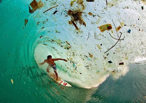 Zaśmiecone są również oceany...