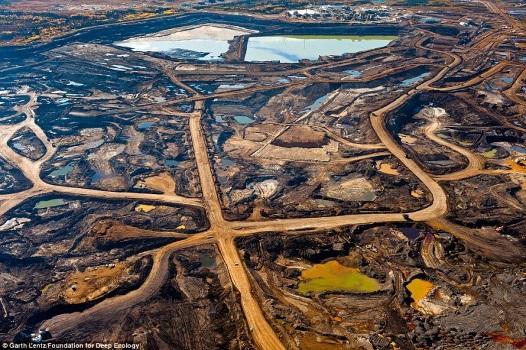 Zanieczyszczone okolice pól naftowych w Kanadzie